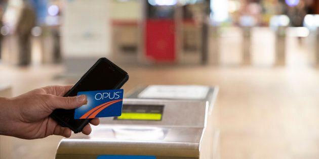 La STM teste actuellement une application qui permettra aux usagers de payer leurs titres de transport avec leur téléphone.