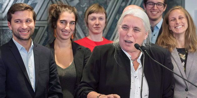 Manon Massé en compagnie des nouveaux élus solidaires, lors d'une rencontre le 5 octobre 2018.