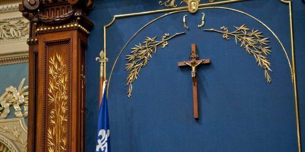 La présence d'un crucifix à l'Assemblée nationale, dans un premier temps, ne me dérange pas, puisque...