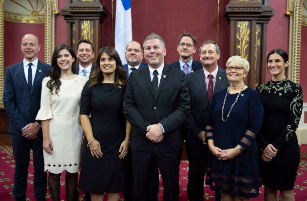 Les 10 députés élus du Parti québécois, dont le chef intérimaire Pascal Bérubé (au centre) et Méganne...