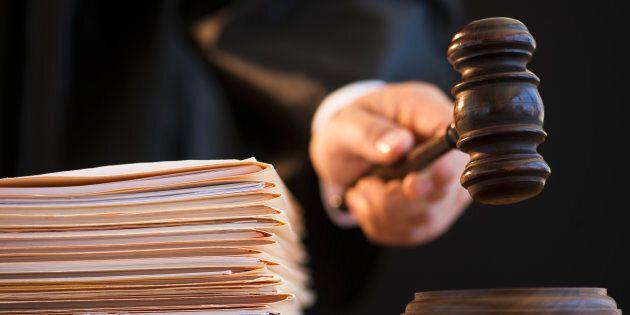 Le droit du plus fort et L'affaire Maillé devraient être des lectures obligatoires pour tous les juges...