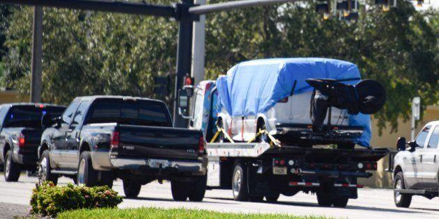 Une camionnette a aussi été saisie par le FBI dans l'enquête sur les colis explosifs envoyés à divers...