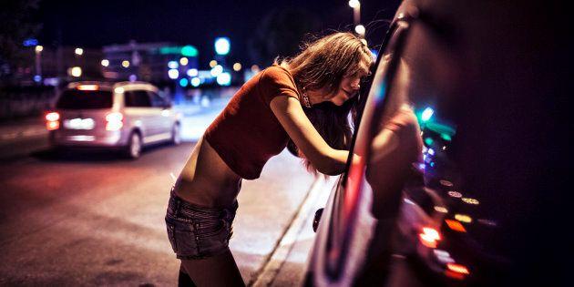 À la lumière de ces informations, il paraît légitime de croire que la légalisation de la prostitution ne favorise pas le bien-être des femmes qui offrent ces services pour en vivre. Bien au contraire, elle favorise l'exploitation des personnes les plus vulnérables.