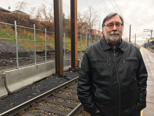 François Pépin, président du conseil d'administration de Trajectoire Québec, à la gare Mont-Royal de la ligne Deux-Montagnes.