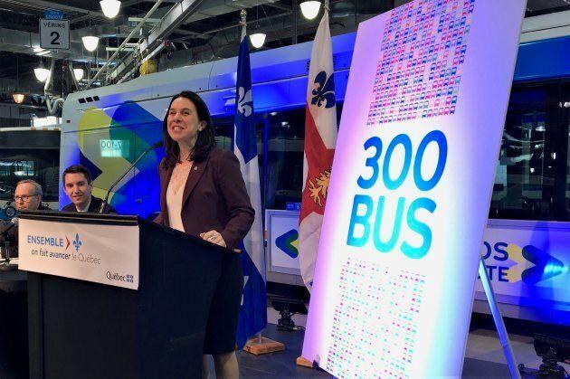 La mairesse de Montréal, Valérie Plante, lors de l'annonce de l'achat de 300 autobus supplémentaires en janvier 2018.