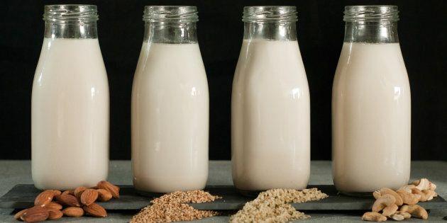 Chacune de ces boissons a ses forces et ses faiblesses: écologie, goût, éléments nutritifs, santé, micromousse, allergies, etc.