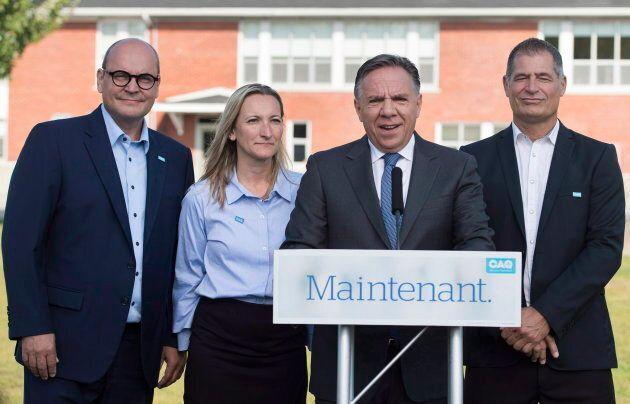 Marilyne Picard aux côtés du chef de la CAQ François Legault pendant la campagne électorale.
