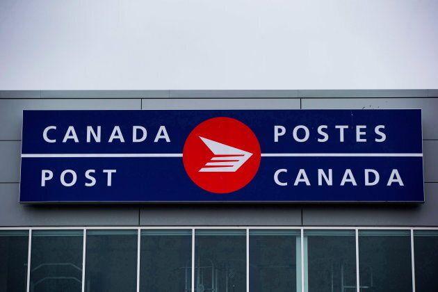 Les employés de Postes Canada protestent notamment contre une hausse importante de leur charge de travail...