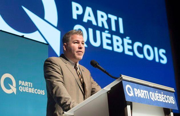 Le chef par intérim du PQ, Pascal Bérubé, prend la parole lors de la conférence nationale des présidentes...