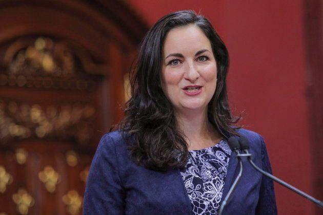 La députée libérale Marie Montpetit se désole de voir que la première action en environnement de la CAQ serait de réduire les objectifs de lutte aux GES.