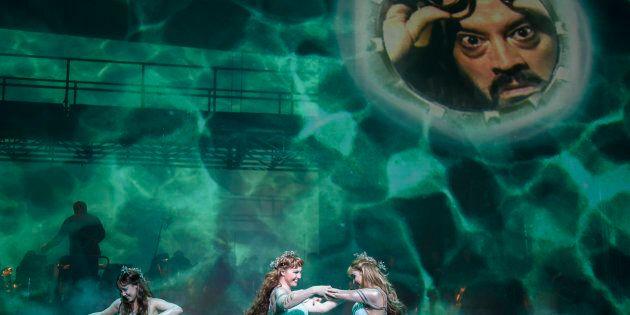 Dans la belle mise en scène conçue par Brian Staufenbiel, «Das Rheingold» de Wagner devient un spectacle...
