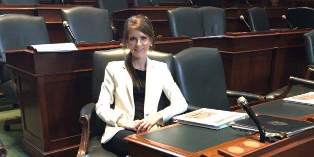 Nous devrions tous saluer le courage de la députée Amanda Simard, qui a quitté le caucus du gouvernement...