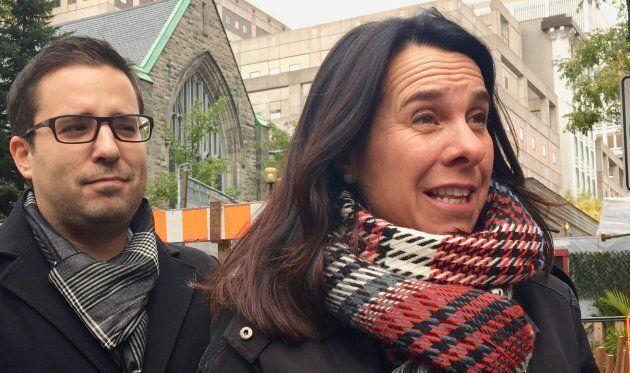 Valérie Plante et Robert Beaudry sur la rue Bishop pendant la campagne électorale de 2017.