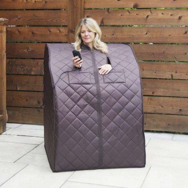 Le sauna Harmony aiderait à soulager, par la thermothérapie, les douleurs articulaires et le stress en plus d'augmenter la circulation sanguine.