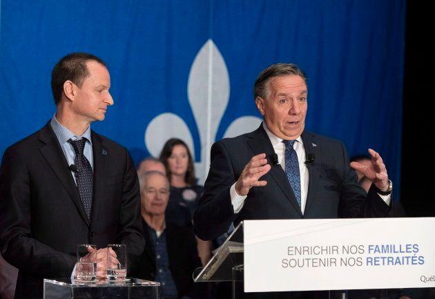 Le premier ministre François Legault en compagnie de son ministre des Finances, Éric Girard.