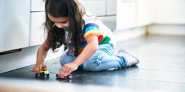 Les enfants doivent jouer, c'est la façon naturelle d'apprendre à devenir adulte. Et puis, s'ils ne s'amusent...