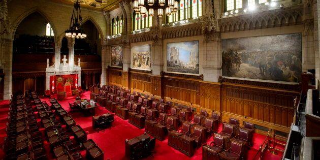 Le Sénat doit approuver le projet de loi avant qu'il puisse être sanctionné et entrer en