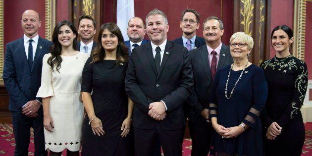 L'équipe du Parti québécois après avoir prêté serment à la reine, en