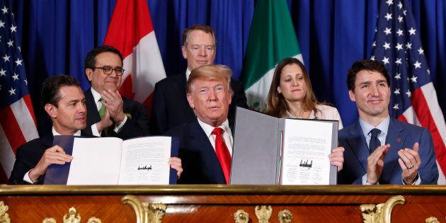 Malgré la signature, le sérieux problèmes restent patents: les tarifs douaniers américains sur l'acier l'aluminium, les atteintes à la gestion de l'offre, l'absence de gains évidents pour le Canada.