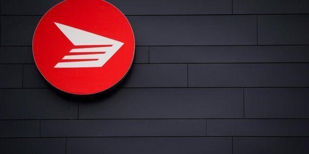 Des hausses salariales allant jusqu'à 25 % pour 8000 employés de Postes
