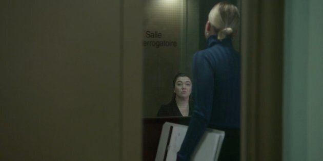 Noélie St-Hilaire (Catherine St-Laurent) allant interroger une femme suspectée d'avoir transmis le VIH...
