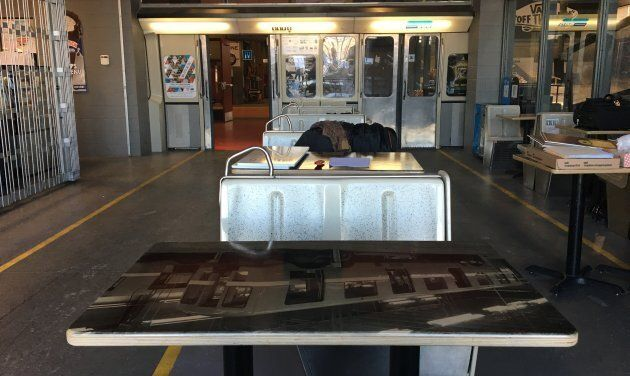 L'intérieur de la cantine du Taz a été refait pour souligner l'arrivée d'un wagon de métro MR-63.