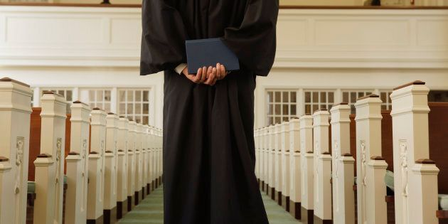 Il me semble quel'opposition aux signes religieux de 73% des gens de plus de 55 ans se réfère à notre...