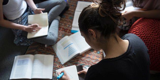 Partout sur la planète, les grands établissements académiques cèdent face à l'ultra domination de