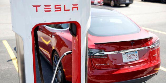 Une plainte contre Tesla après un accident