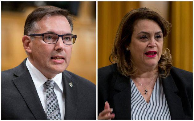 Raymond Côté (gauche) et Djaouida Sellah (droite) ont tous deux siégé à la Chambre des communes pour...
