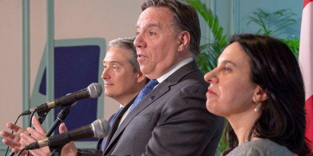 De gauche à droite: le ministre fédéral François-Philippe Champagne, le premier ministre du Québec François Legault et la mairesse de Montréal Valérie Plante.