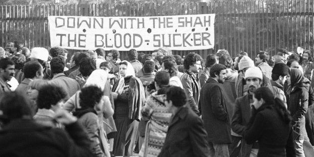 Il y a 40 ans, la pression de la rue força le chah à fuir