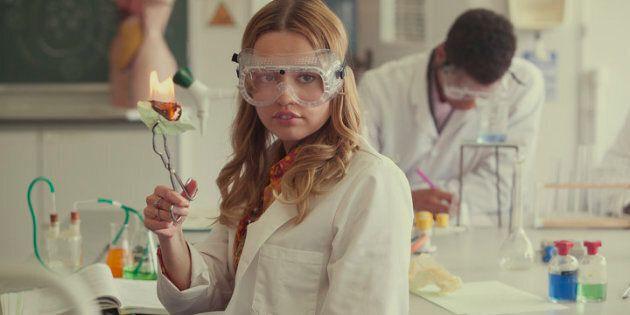 Aimee Lou Wood, qui tient le rôle d'Aimee Gibbs dans Sex