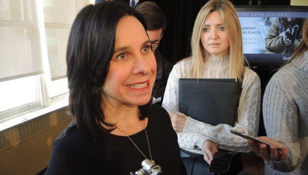 Valérie Plante, mairesse de Montréal, lors d'une annonce concernant des lits d'urgence pour itinérants installés à l'ancien hôpital Royal-Victoria.