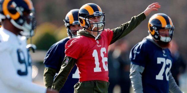 Le quart arrière des Rams Jared Goff en entraînement