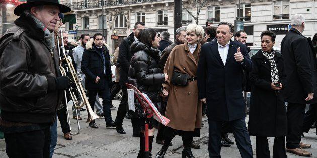 Le premier ministre Legault accompagné de sa femme Isabelle Brais et de la ministre des Relations internationales...