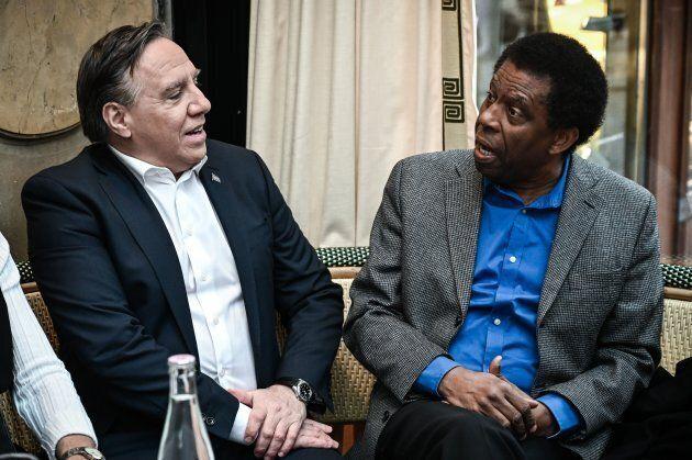 Le premier ministre Legault a profité de sa visite à Paris pour rendre visite à l'écrivain Dany Laferrière,...