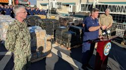 La garde côtière saisit près de 35 000 livres de cocaïne en