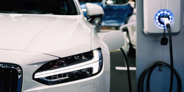 La demande de véhicules hybrides rechargeables (PHEV) et de véhicules zéro émission (VZE) a été lente...