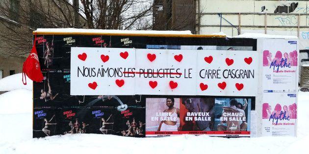 Action réalisée le matin de la Saint-Valentin et destinée à prouver notre amour au Carré Casgrain, même...