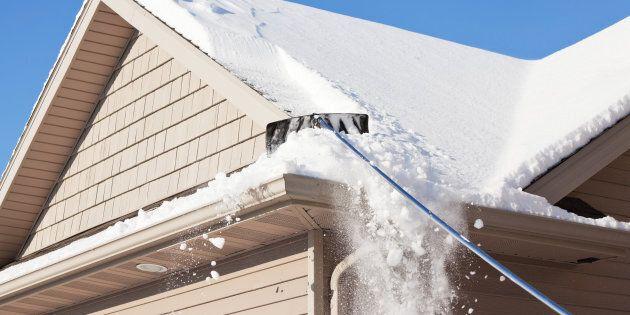 Les effondrements de toits sous le poids de la neige se multiplient au