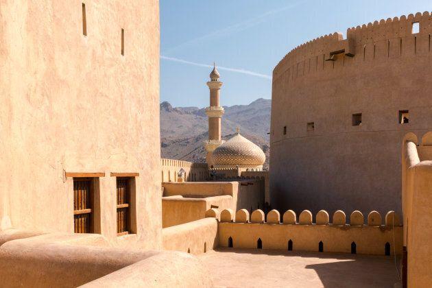 Le fort et la mosquée de Nizwa, Oman.