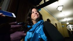 Trudeau s'excuse, Wilson-Raybould en