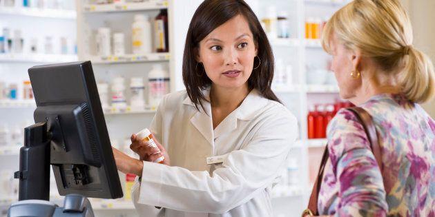Il est dommage de ne pas faire état de tous les conseils donnés gratuitement en pharmacie,en grande augmentation, et qui sauvent énormément de coûts à la société.