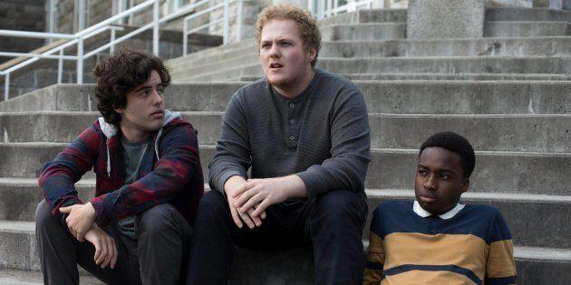 Étienne Galloy, Will Murphy et Madani Tall, dans le film Avant qu'on