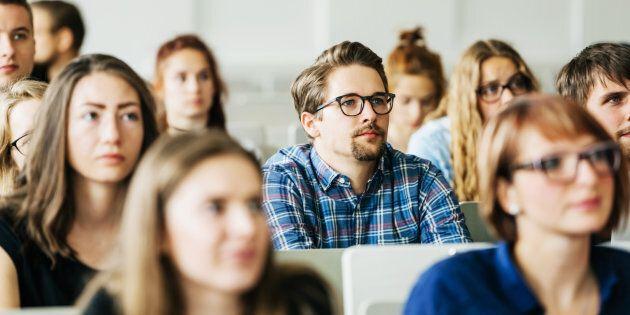 Les bons enseignants en fin de carrière pourraient faire du coaching avec les nouveaux et ainsi nous permettre d'avoir moins de décrochage d'enseignants, et par la bande, d'élèves.