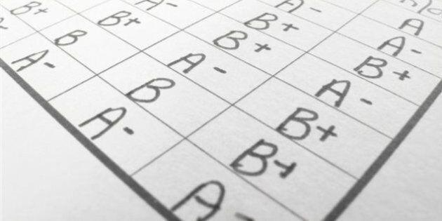 FAE: les enseignants remettront les bulletins scolaires à