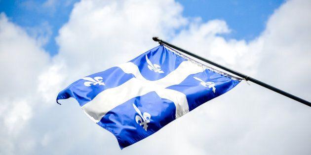 Alors que Philippe Couillard fait l'autruche et qualifie la loi 101 de « chiffon linguistique », le Parti Québécois a formulé le constat qu'il faut agir et compte bien le faire advenant son élection le premier octobre 2018.