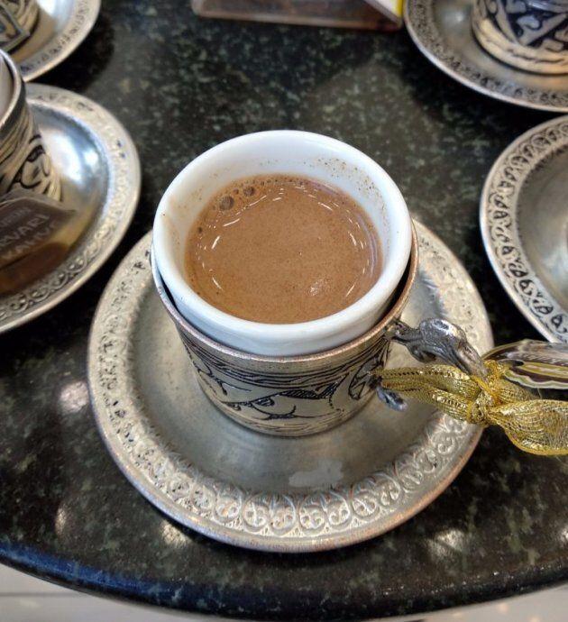 Pour tout faire passer: un café