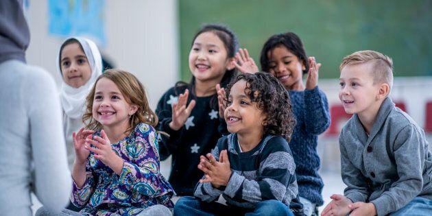 Dans les écoles publiques, l'État est chez lui et le voile des enseignantes, c'est le religieux qui s'impose...